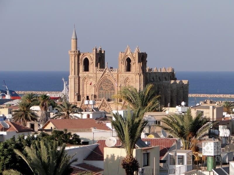 Города Северного Кипра у моря
